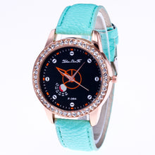Load image into Gallery viewer, Watch Candylor Male And Female Strap Wrist Watch