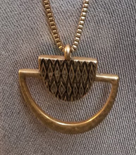Load image into Gallery viewer, Lucky Brand Pendant Necklace