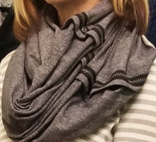 Load image into Gallery viewer, Lululemon Convertible Infinity Scarf