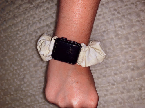Scrunchie Apple Watch Band in Buttered Popcorn