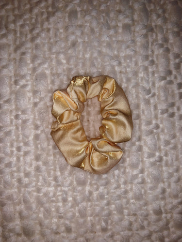 Simple Scrunchie in Good as Gold