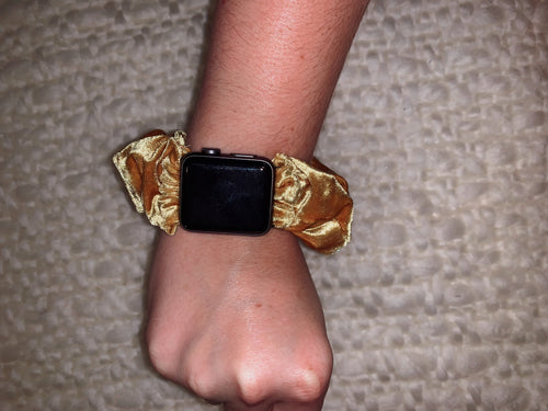 Scrunchie Apple Watch Band in Gold Digger