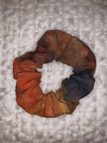 Simple Scrunchie in Autumn Leaves