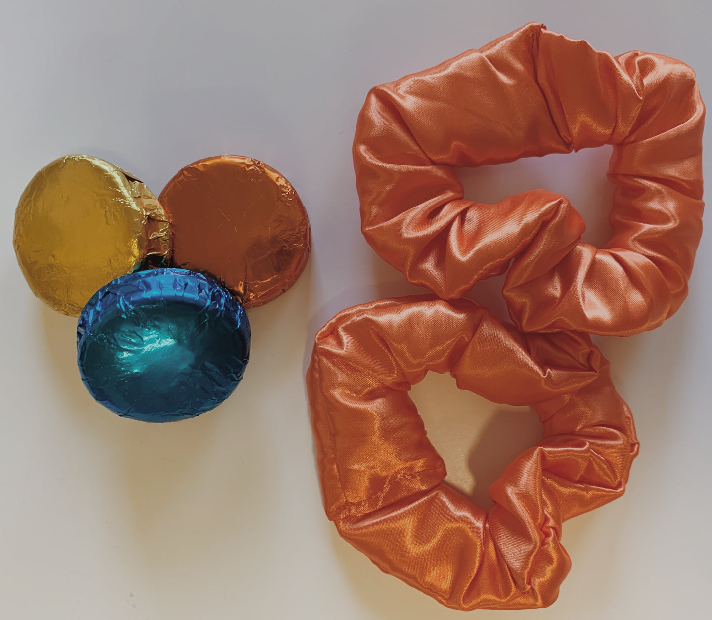 Simple Scrunchie in Orange.