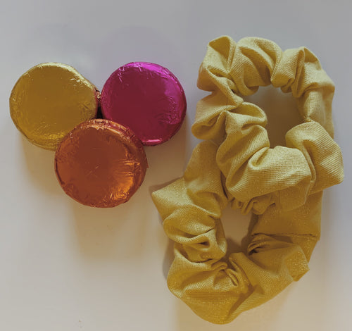 Simple Scrunchie in Mellow Yellow