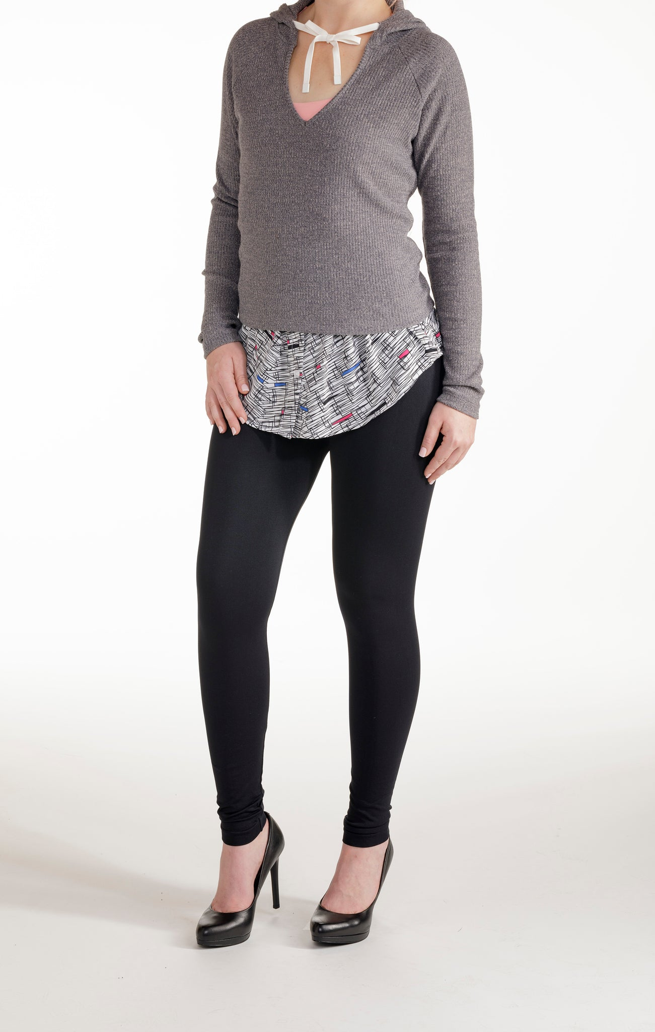 Edgy Lines legging accessory and layering top. Get that layered look without the bulk with SkimMe – The Peekaboo Shirttail. It's the perfect match under your tees, tops, sweaters and jackets. Wear it over your favorite leggings and skinny jeans.