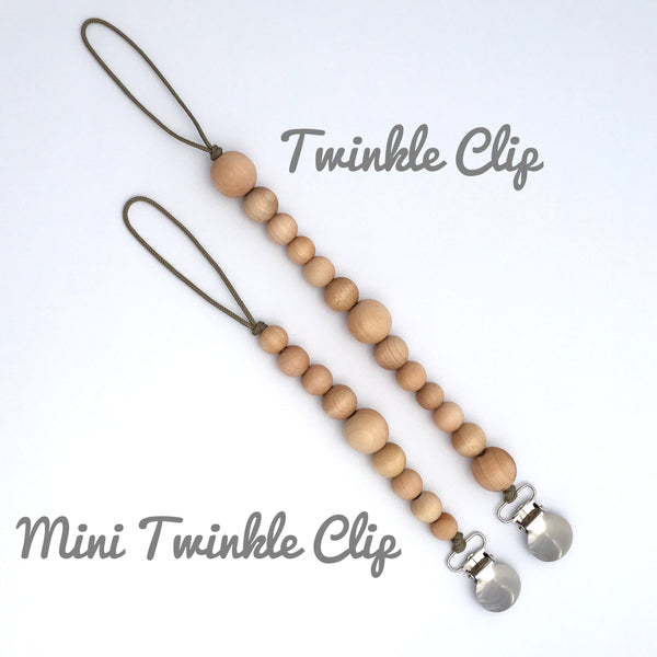 Meadoria Simple Wood Bead Mini Twinkle Pacifier Holder Clip