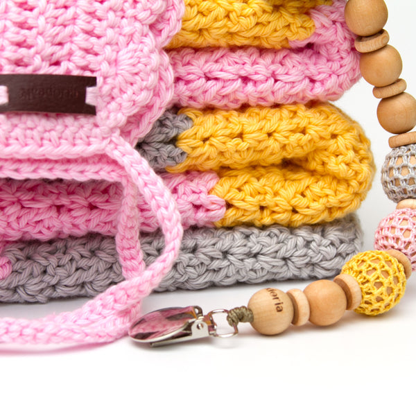 New Gift Set Blanket, Ria Bonnet, Pacifier Clip, Teether for Baby Girl