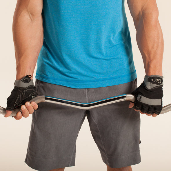 Male utilizing Men's Elite Training Gloves