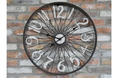 Classic Stylist Modern Black & White Metal Bicycle Wheel Wall Mounted Clock
