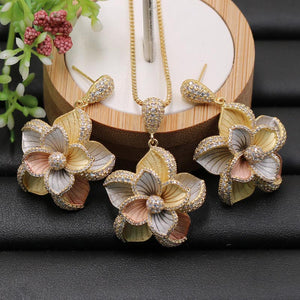 Indian Elegant Flowers Necklace with Earrings for Engagement Banquet
