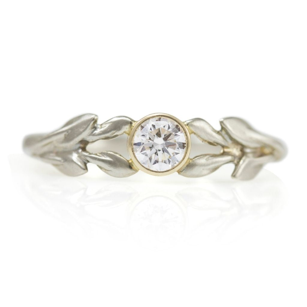 Gold  Bay Laurel Ring