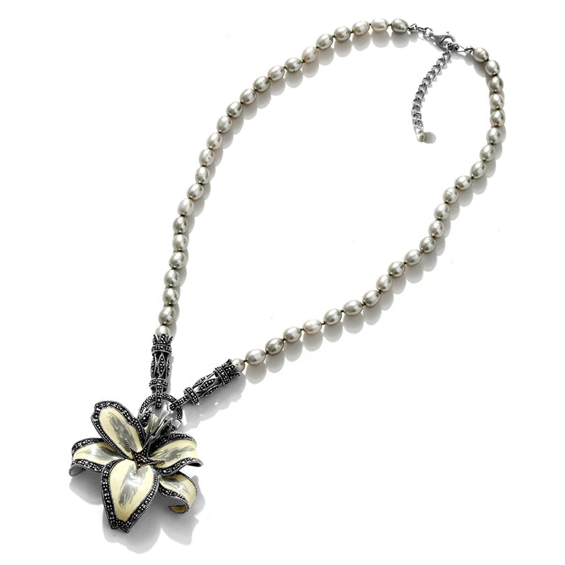 Beautiful Silver Lilly with Fresh Water Pearl Sterling Silver Flower Necklace