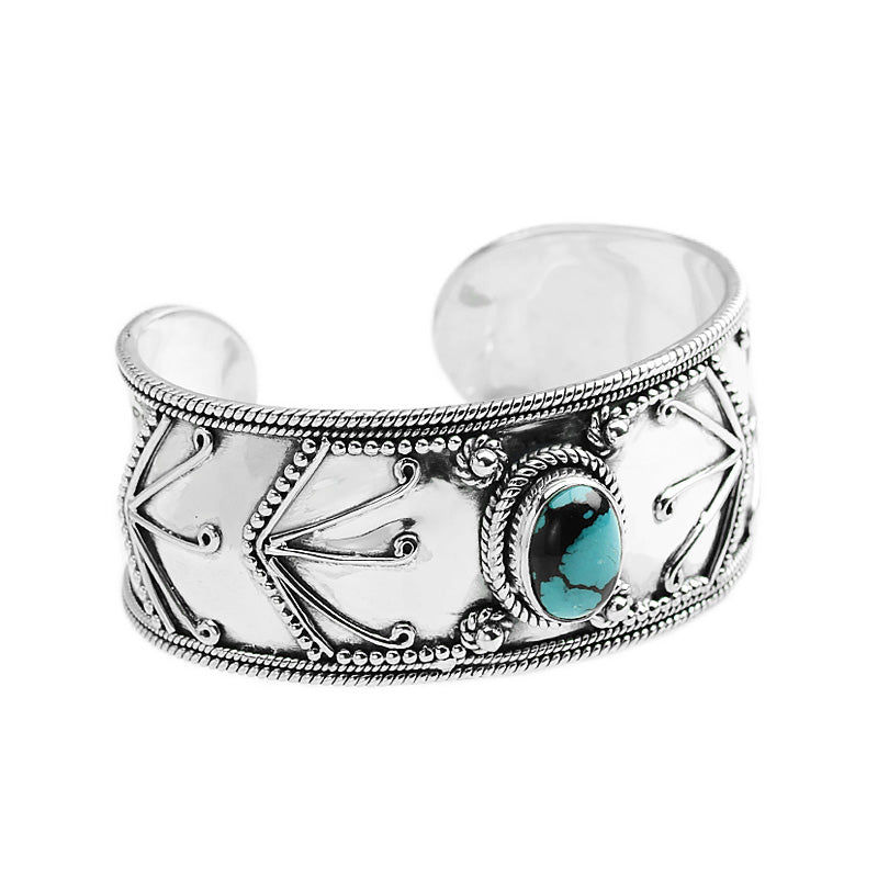 Beautiful Southwestern Design with Gorgeous Blue Turquoise Sterling Silver Cuff