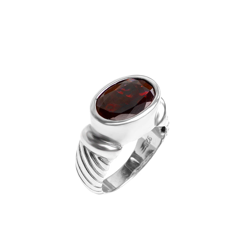 Gorgeous Deep Garnet In Ribbed Design Sterling Silver Ring