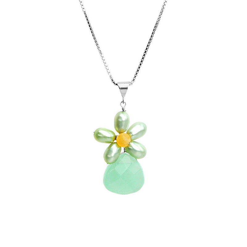 So Cute Chalcedony and Pearl Flower Necklace