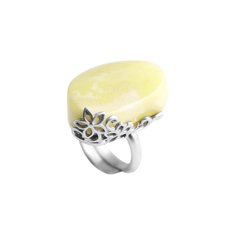 Lovely Baltic Butterscotch Amber Sterling Silver Ring