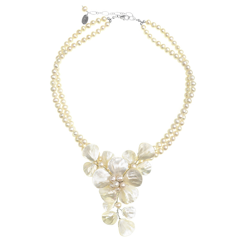 Beautiful White Shell Mother of Pearl and Freshwater Pearl Flower Necklace
