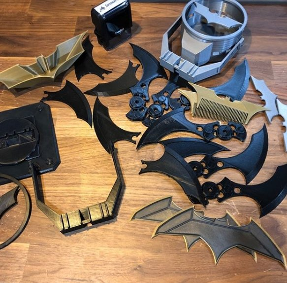 batman gadgets - SuperheroDIY