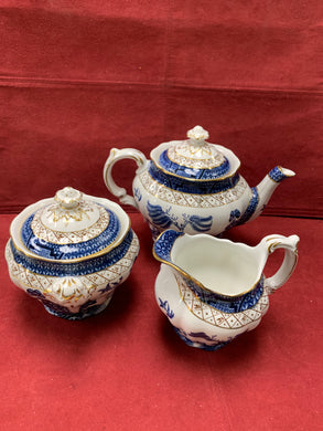 Booth's Real Old Willow, Tea Pot, Creamer and Covered Sugar Bowl.