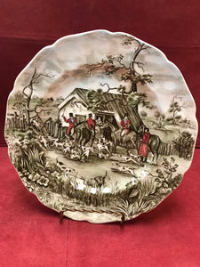 "Johnson Brothers, England. Tally Ho, Luncheon/Salad Plate, ""Stirrup Cup"" 8-7/8"""
