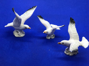 Japan, Porcelain. Miniature Figurine. Set of 3 Seagulls