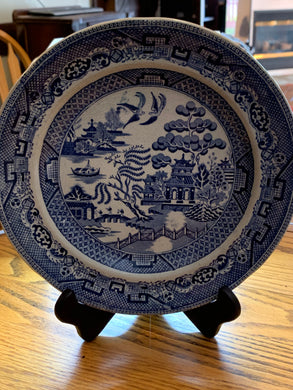 Collector Plate. England. Blue Transfer Ware. Old Willow Pattern.