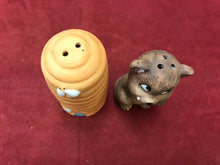Load image into Gallery viewer, China, Collectible Salt and Pepper. Bear with Hive