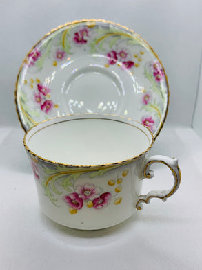 Aynsley. England. Cup and Saucer. Pink Flowers.