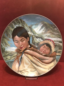 Collector Plate. Northern Lullaby, by Nori Peter. 10""