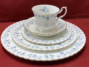 Royal Albert, England. Memory Lane, Dinner Service for 6, Forget-Me-Nots. (30 Pcs)