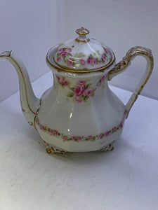 Limoges. France  Bridal Roses. Teapot with Lid- 2 cup capacity