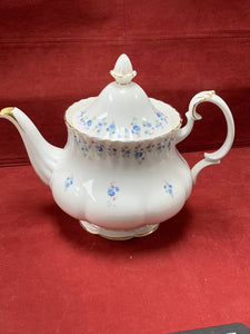 Royal Albert, Memory Lane. Forget-Me-Nots.   Tea Pot with lid