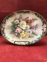 "Load image into Gallery viewer, Collector Plate.  ""Remembrance""   by Lena Liu"