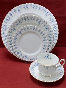 Royal Albert, Memory Lane, Dinner Service for 12,   Forget-Me-Nots. (60 pcs)