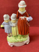 Load image into Gallery viewer, Dresden, Figurine, Yardley English Lavender, 1915-1920