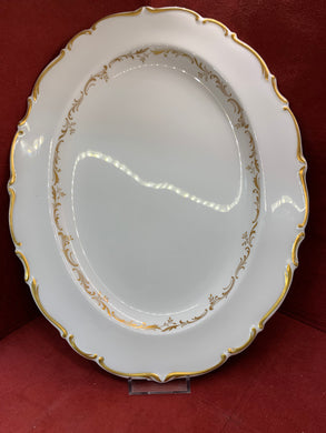 Royal Doulton. England. Oval Serving Platter. Richelieu. White with Gold