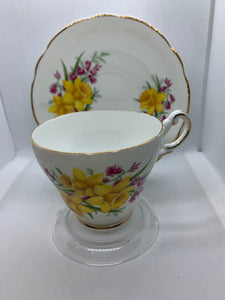 Regency, England. Cup and Saucer. Daffodils