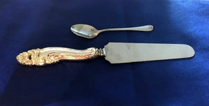 Cake Knife. Stainless Blade.Sheffield England. Silver Plated Handle. - 10-3/4""