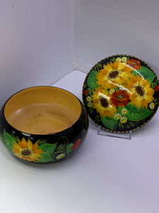 Trinket Box. USSR. Wooden, Lacquered - Hand painted, Sunflowers and Poppies