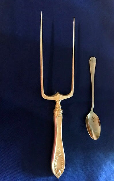 Carving Tool-Meat Fork. 1847 Rogers. Bros.  XS Triple  Old Colony