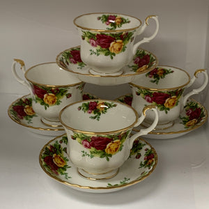 Royal Albert,  Old Country Roses. Cup and Saucers.  Set of 4.