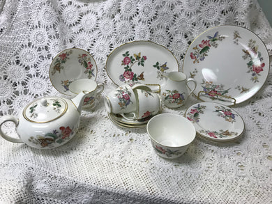 Tea Service, Wedgwood, Sandon, Bone China, W.D.4010, 18 Pc Tea Service