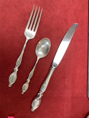 Flat Ware. Wallace.  Sterling Silver.  3pc Place Setting.     Pattern- Silver Swirl.