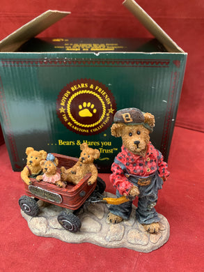 Boyds Bears and Friends. The Bearstone Collection. 10E/4514 Getting There is Half the Fun