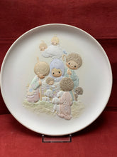 Load image into Gallery viewer, Collector Plate. Precious Moments Christmas Collection. 8-1/4""