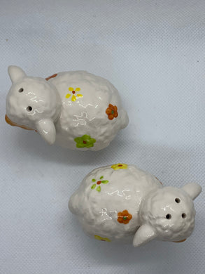Salt and Pepper. Unmarked.  pair of sheep with flowers.