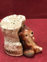 Load image into Gallery viewer, Salt and Pepper, Beaver and  Stump, Japan