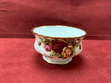 Royal Albert- Dinnerware, Old Country Roses- Open Sugar Bowl