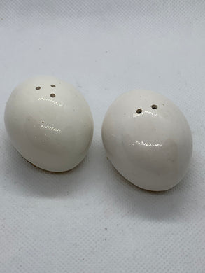 Salt and Pepper. Japan.  Egg shaped salt and Pepper Shakers. white